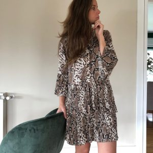 Vestido corto, estampado animal print serpiente